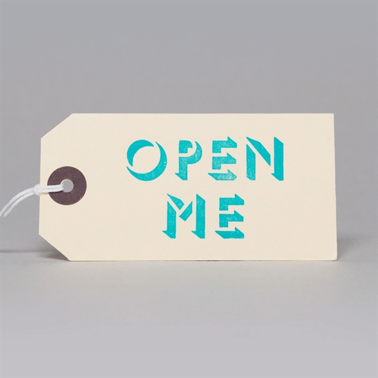 6 x Open Me tags in turquoise Blue